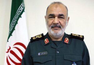 خدمات شهید صیاد الهامبخش نیروهای مسلح در حفظ اقتدار ملی است